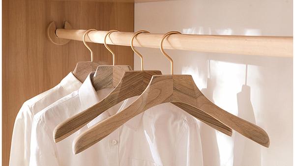 Móc treo quần áo bằng gỗ MT03