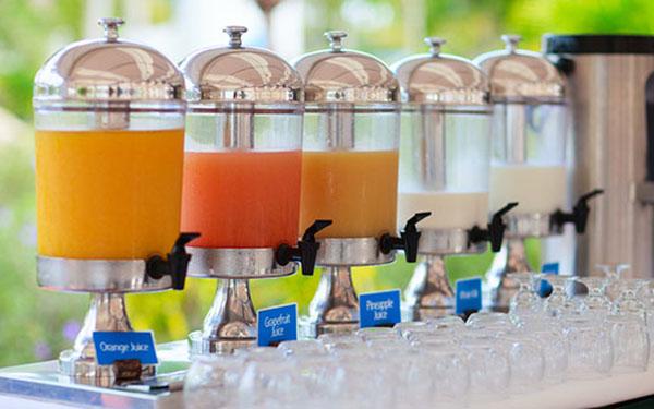 Vì sao nên mua bình đựng nước trái cây – dụng cụ tiệc buffet của Poliva?