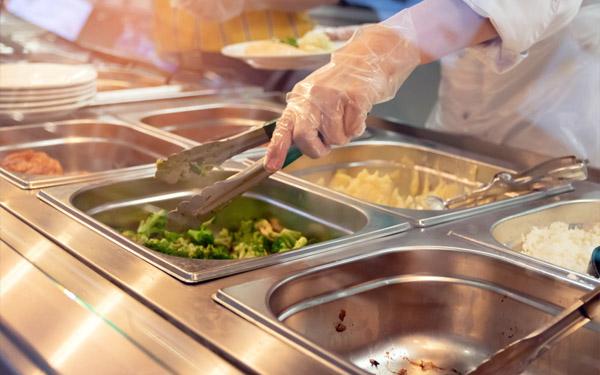 sử dụng thiết bị giữ nóng thức ăn