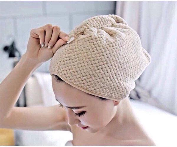 Khăn lau tóc rất cần thiết cho phái nữ