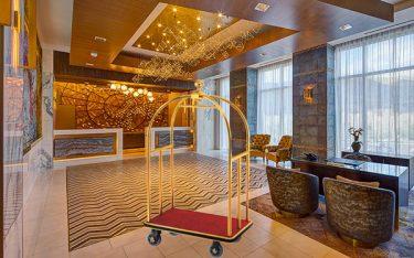 Vì sao cần trang bị xe đẩy phục vụ nhà hàng khách sạn?