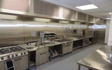 Bếp âu là gì? Đặc điểm và phân loại bếp âu nhà hàng cơ bản