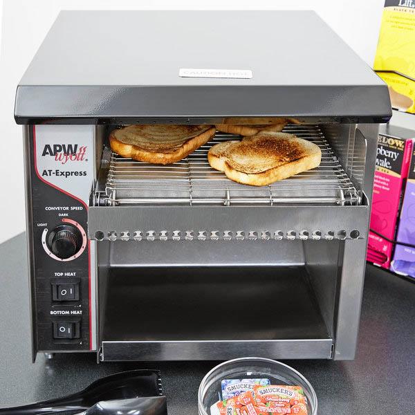 cách vệ sinh máy nướng bánh mì