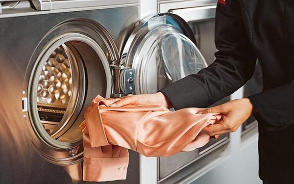 Phương pháp tính và lựa chọn công suất máy giặt công nghiệp phù hợp