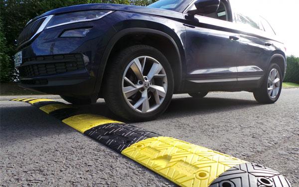 Gờ giảm tốc góp phần đảm bảo an toàn cho các phương tiện tham gia giao thông