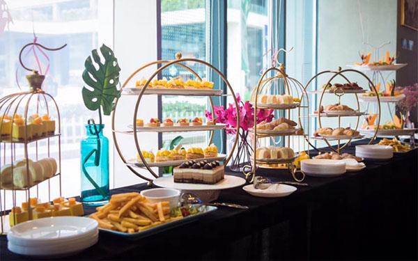 Tổng hợp 5 mẫu kệ trưng bày buffet đẹp độc đáo, ấn tượng nhất