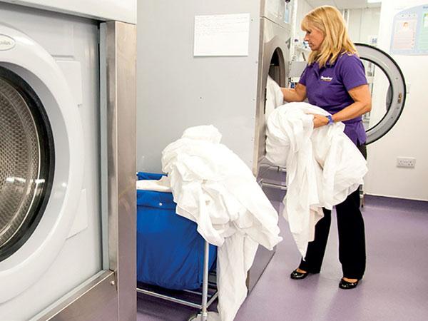 mua máy giặt khô công nghiệp