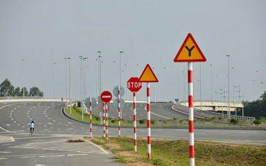 Phản quang là gì? 4 thiết bị giao thông có ứng dụng phản quang