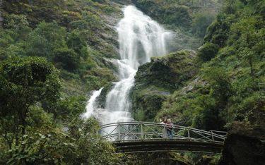 Thác Bạc – Kinh nghiệm du lịch và hành trình khám phá cổng trời SaPa