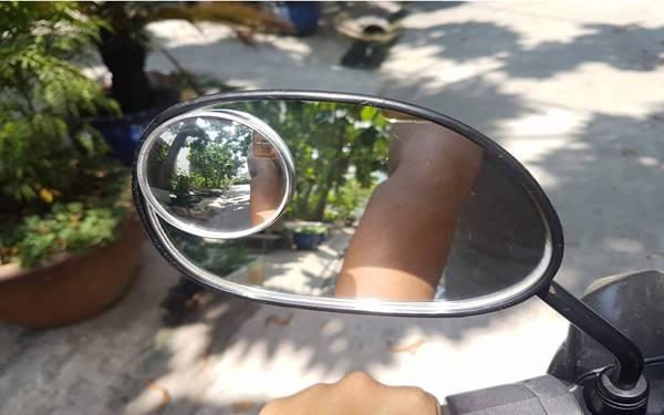 Hướng dẫn cách dán gương cầu lồi cho ô tô, xe máy đúng chuẩn