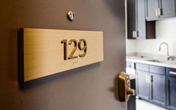 5 chất liệu biển số phòng nhà nghỉ, hotel vừa rẻ lại đẹp