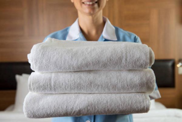 Poliva cung cấp các loại khăn tắm, khăn mặt màu trắng cho nhiều đơn vị