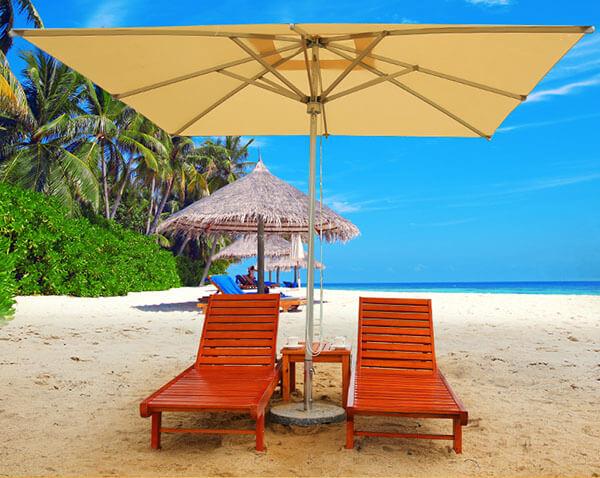 Ô dù chính tâm kết hợp với ghế bãi biển sang trọng