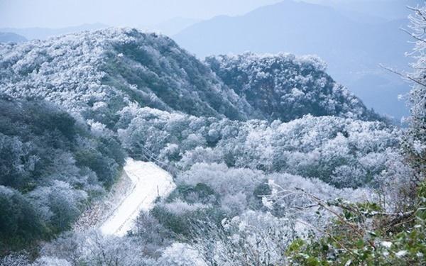 Phia Oắc - bức tranh mỹ cảnh tuyệt đẹp của Cao Bằng.