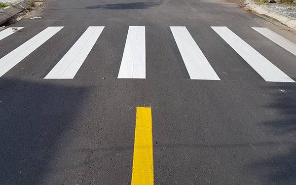 Sơn phản quang là gì? Báo giá sơn phản quang kẻ đường giao thông