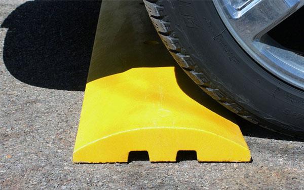 Chọn gờ giảm tốc đúng với khả năng chịu trọng tải để đảm bảo độ bền