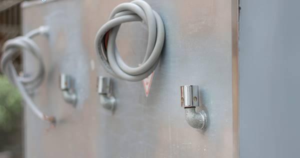 sử dụng tủ nấu cơm công nghiệp an toàn, tiết kiệm điện