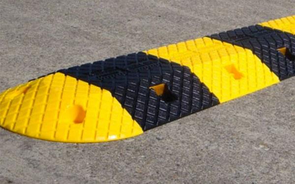 Tác dụng của gờ giảm tốc không thể bỏ qua là chống trơn trượt hiệu quả