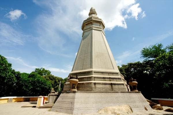 Bảo Tháp ghi tên người có công lập nên chùa