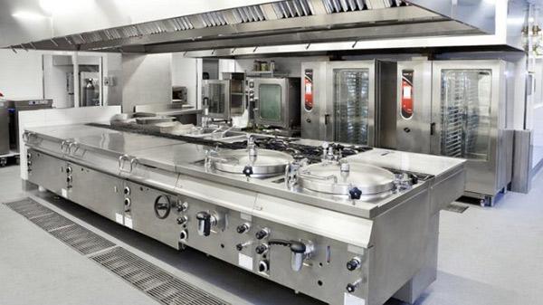 Trong khu bếp các nhà hàng lớn luôn trang bị tủ nấu cơm công nghiệp