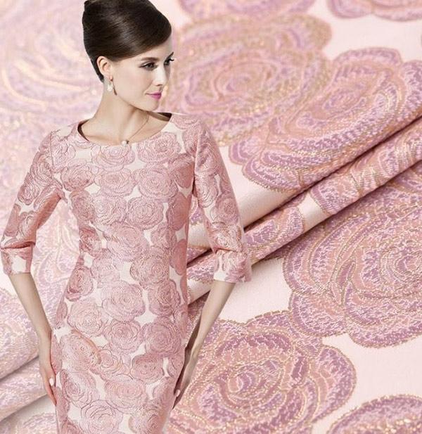 Vải Jacquard cao cấp được ứng dụng mạnh mẽ trong ngành thời trang