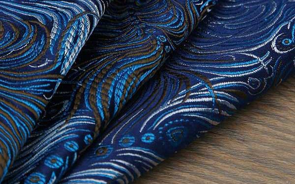 Vải Jacquard là gì? Ứng dụng của chất liệu Jacquard trong đời sống