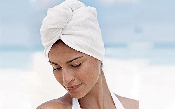 Gợi ý cách quấn khăn tắm bao đầu vừa tiện ích, lại vừa sành điệu