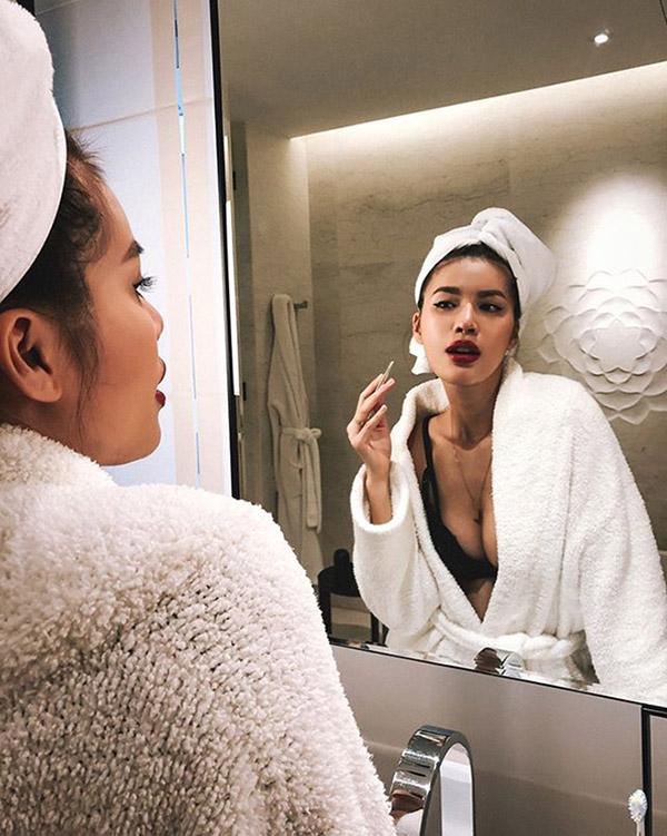 Gợi cảm và quyến rũ như người mẫu Minh Tú