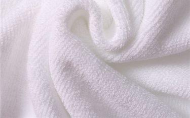 Có nên mua khăn mặt theo cân dùng trong nhà nghỉ?