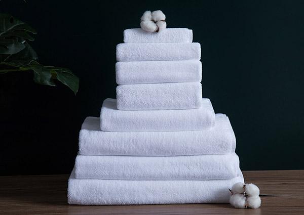 Nên chọn những loại khăn tắm khách sạn có độ mềm mịn tốt