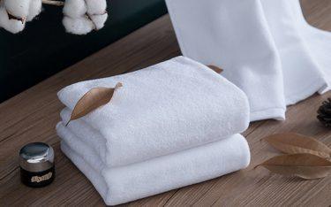 Vì sao khăn tắm dùng trong khách sạn 5 sao luôn làm từ chất liệu cotton?