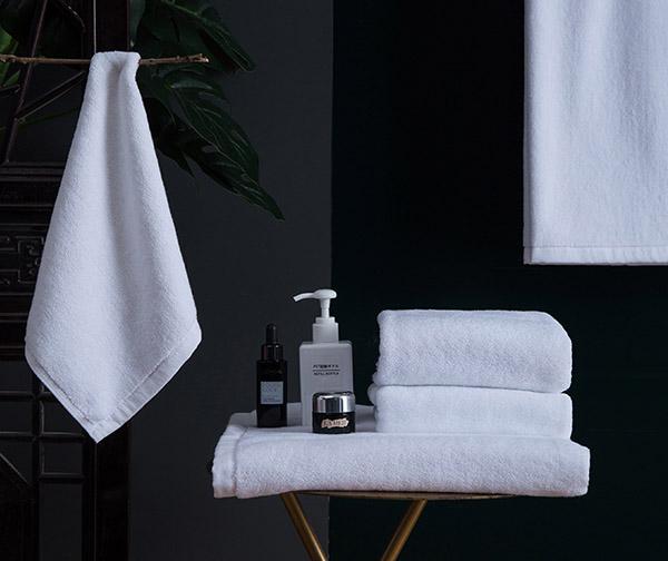 Khăn tắm được làm từ chất liệu cotton được nhiều người ưa chuộng