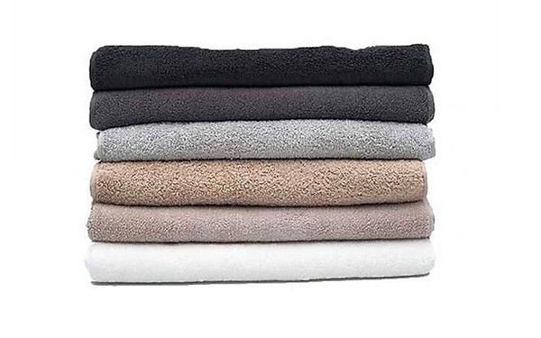 Cân nhắc chọn lựa khi mua những chiếc khăn tắm có màu sắc sặc sỡ