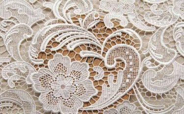 Vải ren là gì? Điều gì khiến vải ren được nhiều người ưa chuộng?