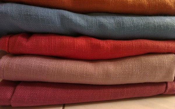 Vải thô là gì? Tại sao vải thô được nhiều người ưa chuộng?