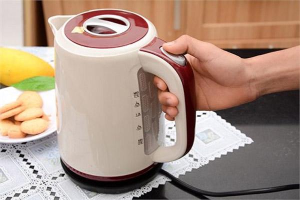 Poliva chuyên cung cấp bình đun siêu tốc cho khách sạn