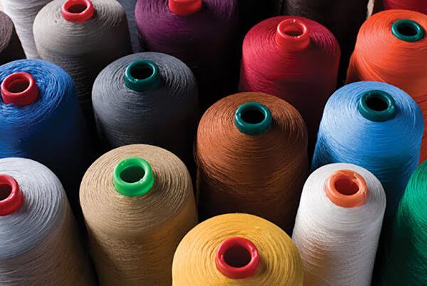 Sợi cotton là loại sợi được dùng phổ biến nhất vì dễ kết hợp vỡi những loại sợi khác