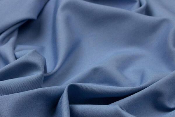 Bộ chăn ga giường may từ vải tencel sẽ đem lại màu sắc sang trọng cho phòng ngủ