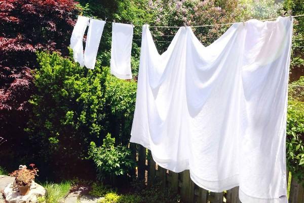 Vỏ chăn ga gối nên được giặt giũ thường xuyên và phơi ở nơi thoáng đãng