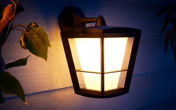 Hướng dẫn cách lắp đèn ngủ treo tường an toàn, chuẩn từ A-Z