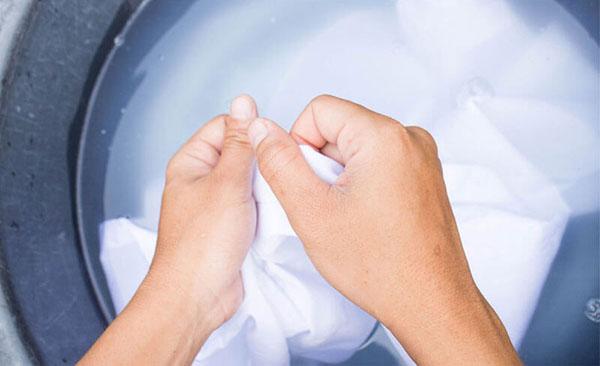 Chỉ giặt tay với sản phẩm này để kéo dài tuổi thọ của chúng
