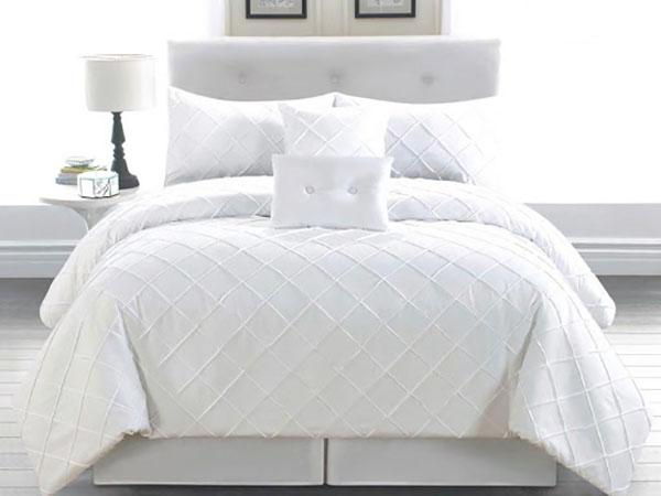 Ga giường phủ làm cho căn phòng trở nên hiện đại và sang trọng hơn