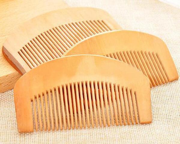 Lược gỗ cao cấp có nhiều kiểu dáng khác nhau