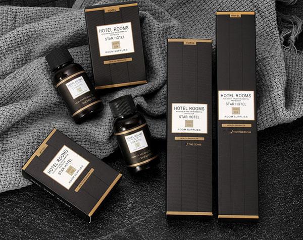 Bao bì của khách sạn do Poliva sản xuất và cung cấp với tone màu đen huyền bí và sang trọng