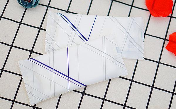 Ngoài ra khăn ướt khăn lạnh cũng được Poliva phân phối tới người tiêu dùng