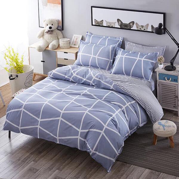 Ga giường may từ loại vải này có giá thành rẻ, đa dạng màu sắc, kiểu dáng