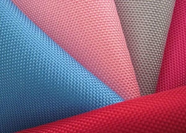 Vải cotton poly được kết hợp từ sợi bông và sợi polyester