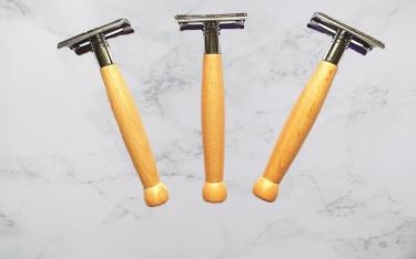 Dao cạo râu gỗ thân thiện môi trường, an toàn, tiện lợi