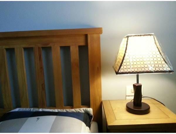 Đèn để đầu giường cần phải có chao đèn