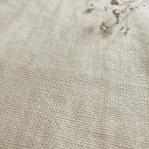 Vải dệt thoi được dệt từ nhiều loại sợi như bông, linen hay lụa